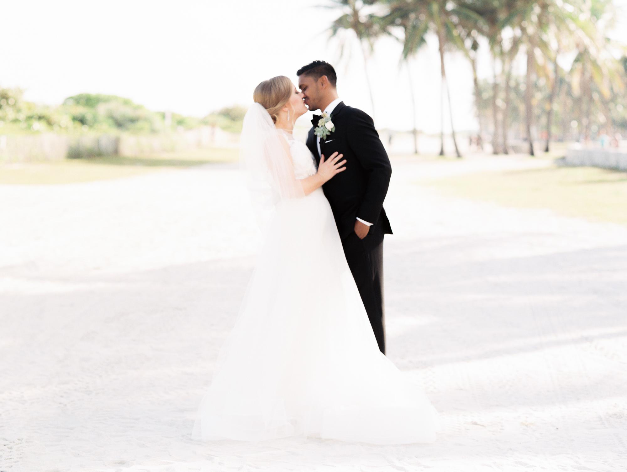 betsy-hotel-wedding-south-beach-miami-charleston-south-carolina-destination-wedding-photographer-9.jpg