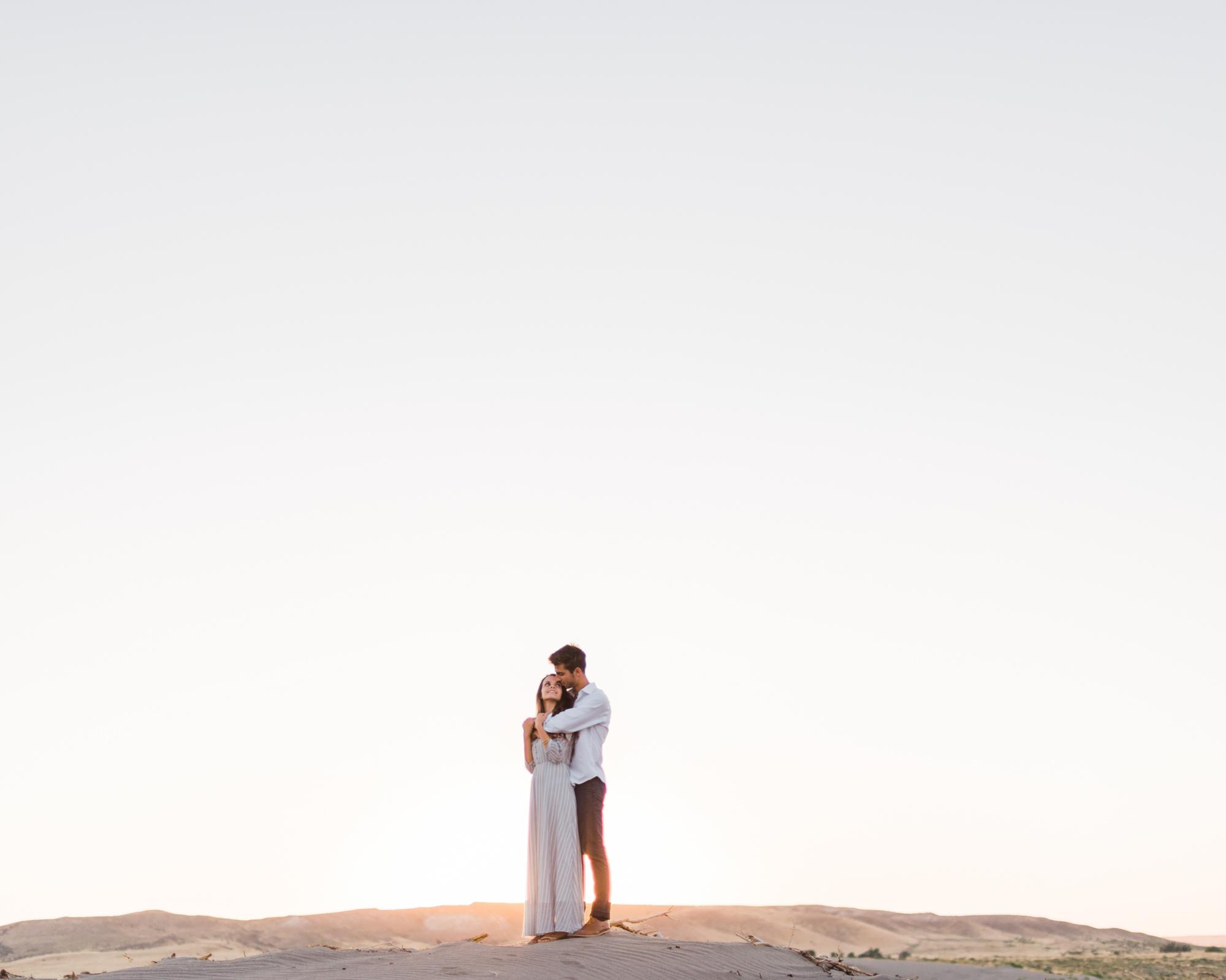 charlotte-charleston-wedding-family-film-destination-photographer-bruneau-sand-dunes-boise-idaho-18.jpg