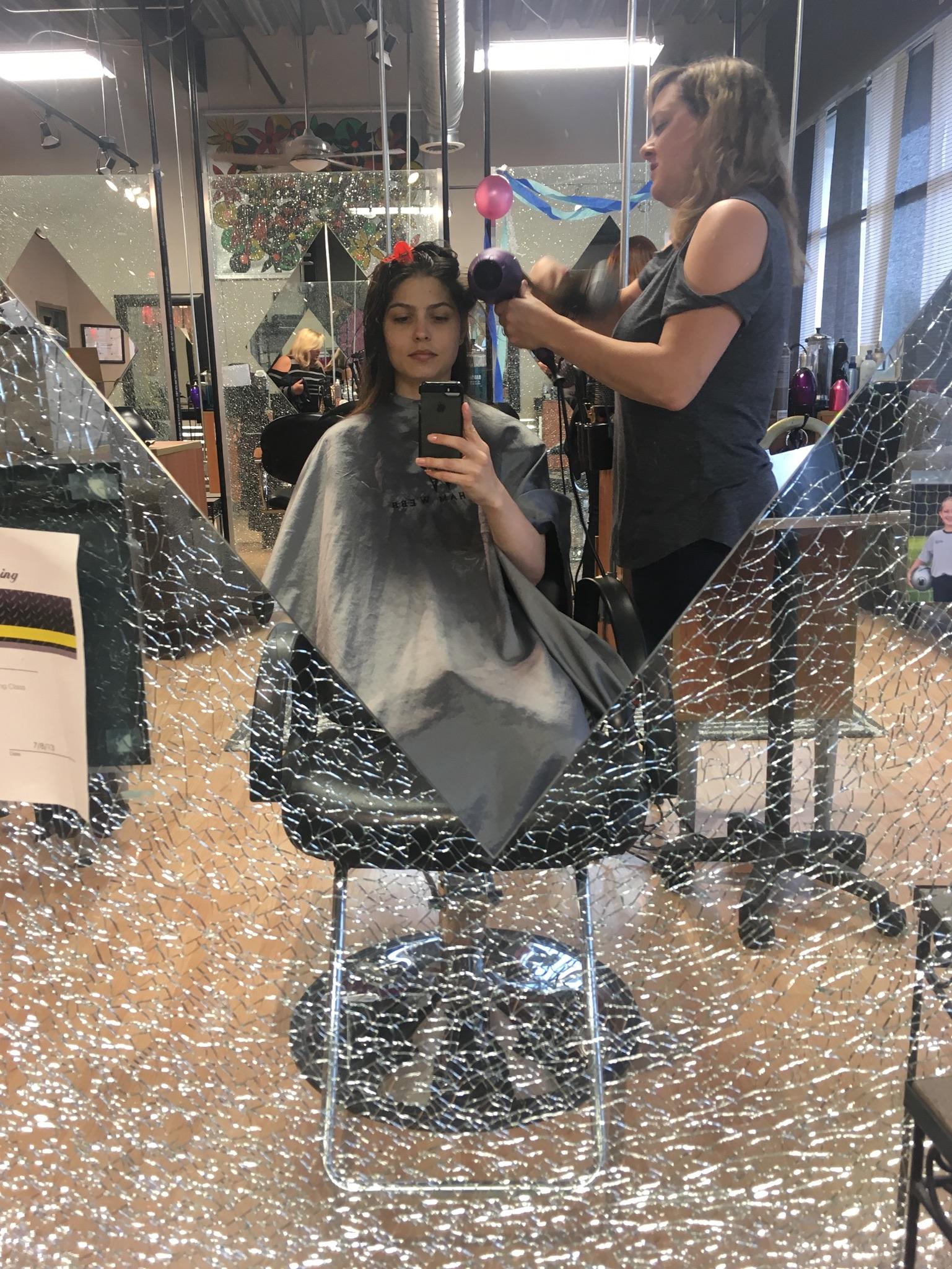 Hair Stylist: Heidi from @RobertAnthonyHairSalon