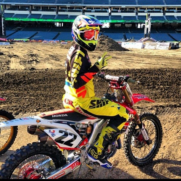 2013 SX kicks of this weekend. Who you boys got? MYB are proudly seated on the Reed bandwagon… Going to be an epic season!