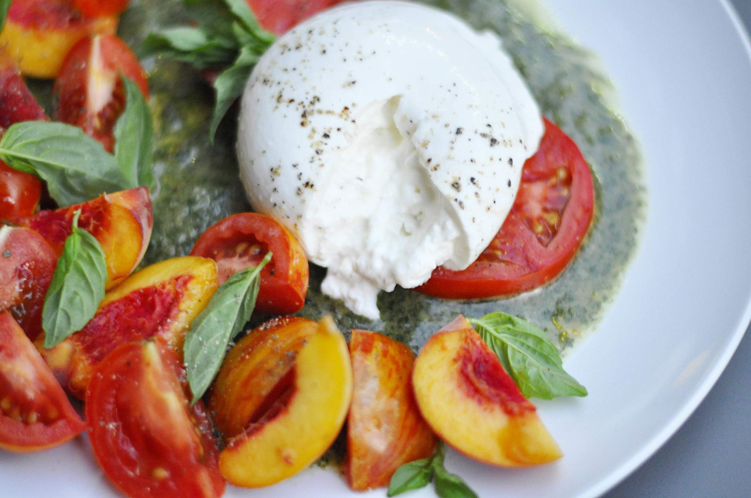Burrata Peach and Tomato Salad Recipe