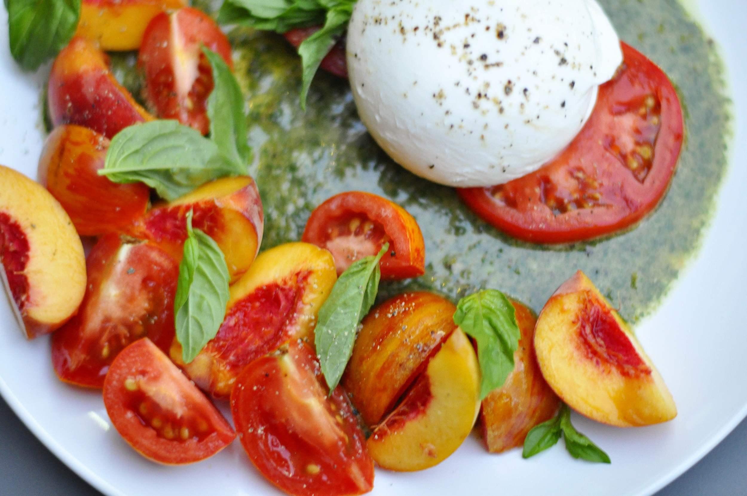 Peach Tomato and Burrata Cheese Salad Recipe