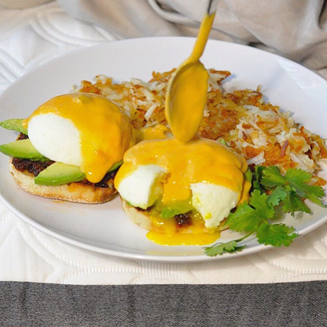 Tex Mex Eggs Benedict Recipe | coupleinthekitchen.com