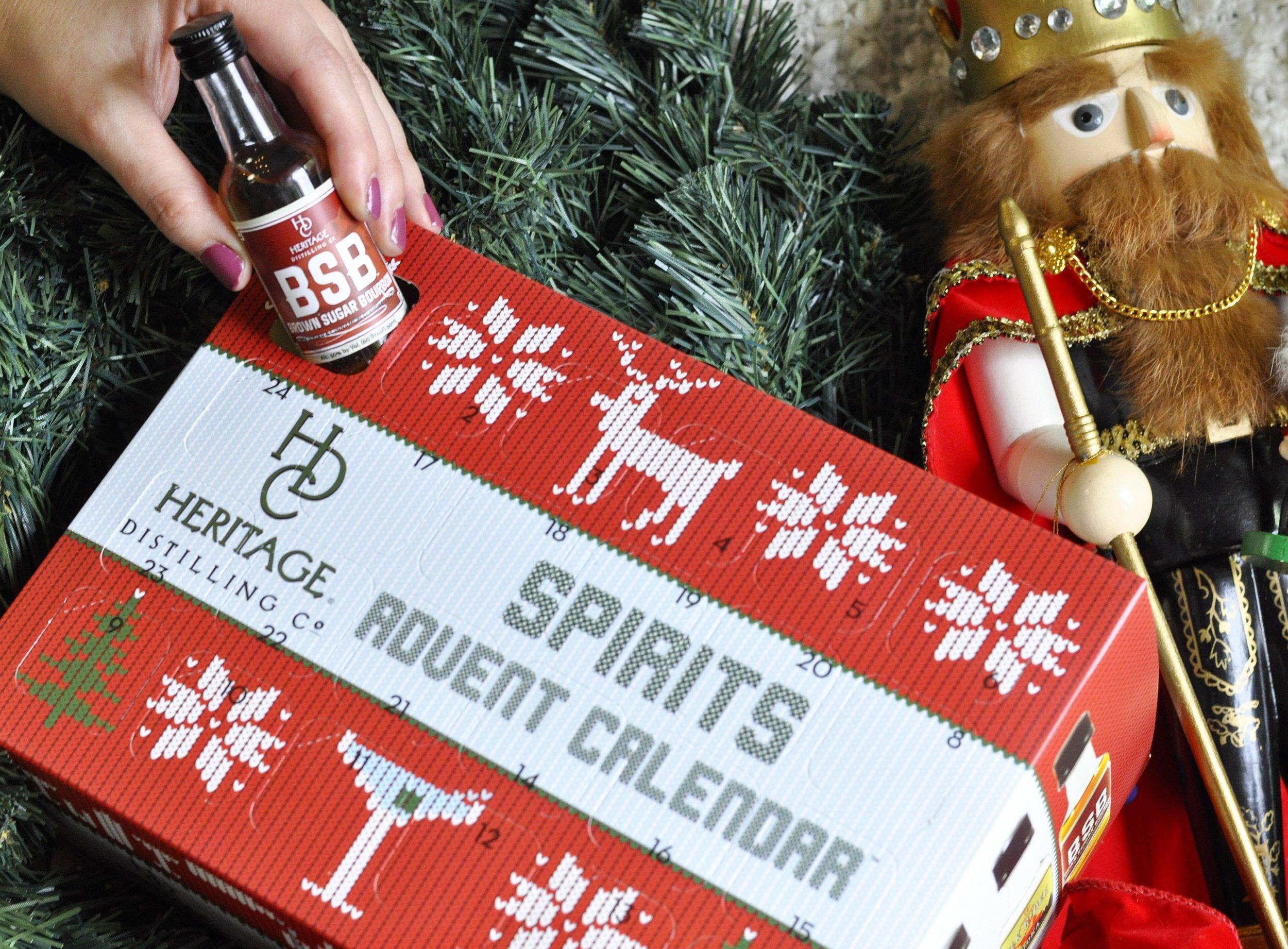 Foodie Gift Ideas | Liquor Advent Calendar | coupleinthekitchen.com