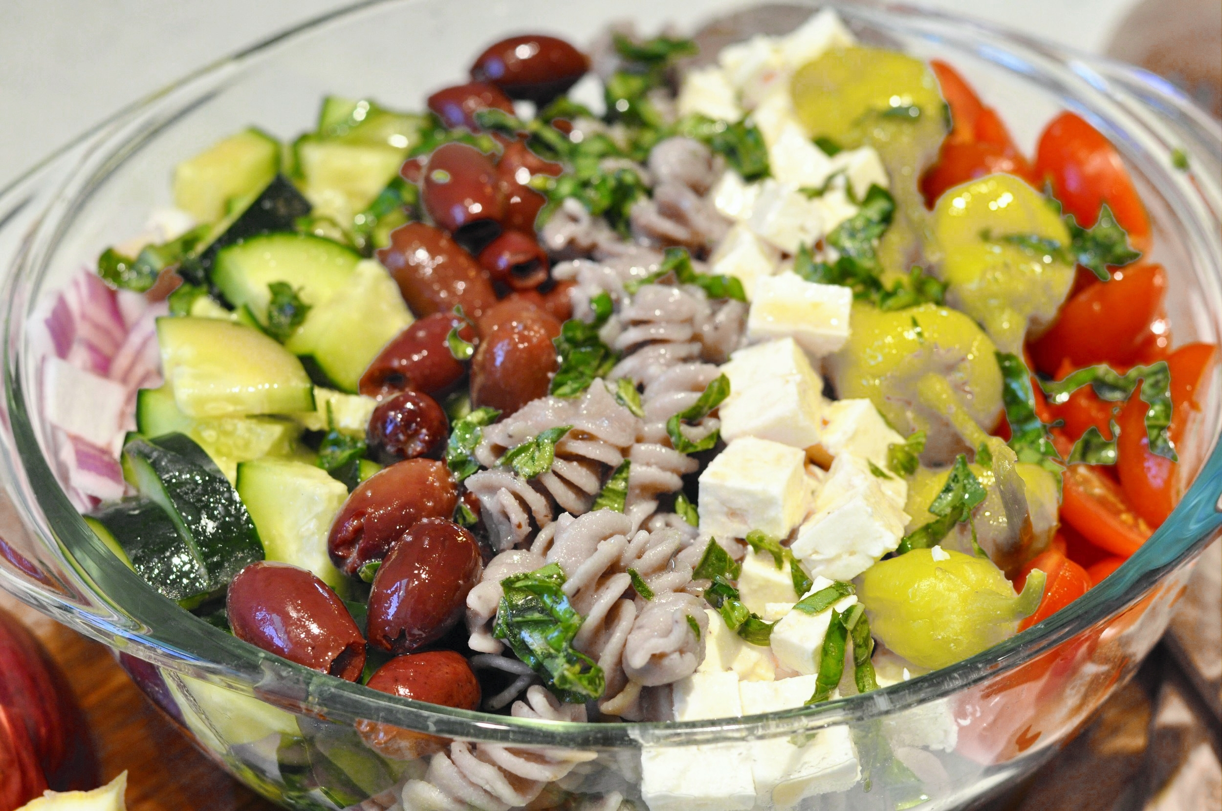 Greek Pasta Salad Recipe | coupleinthekitchen.com