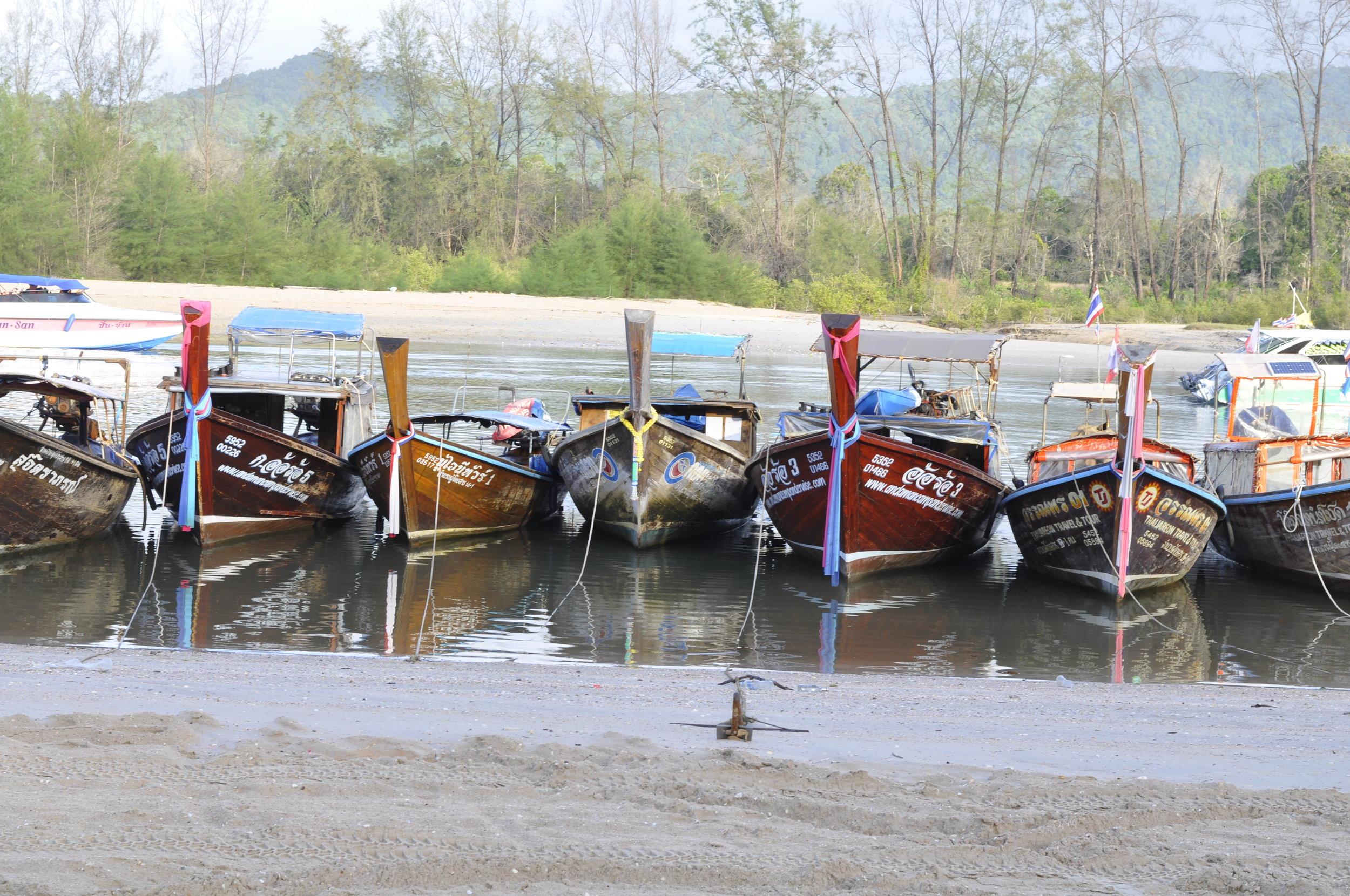What to do in Krabi, Thailand | Long Boats | coupleinthekitchen.com
