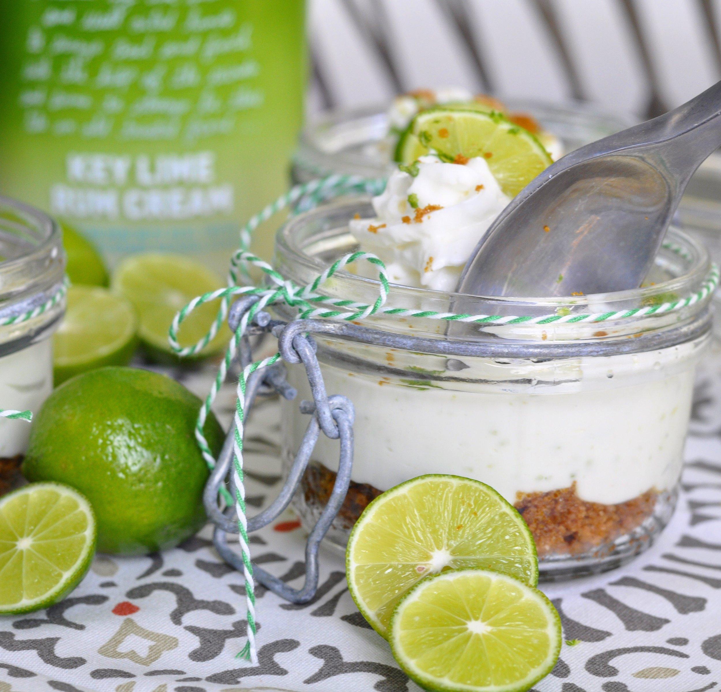 Key Lime Pie Cheesecake | coupleinthekitchen.com