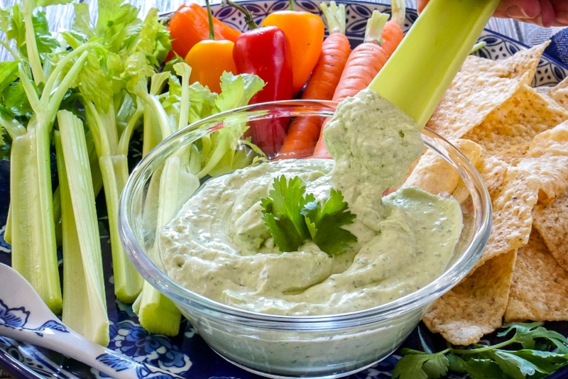 Avocado Jalapeno Veggie Dip with Greek Yogurt   coupleinthekitchen.com
