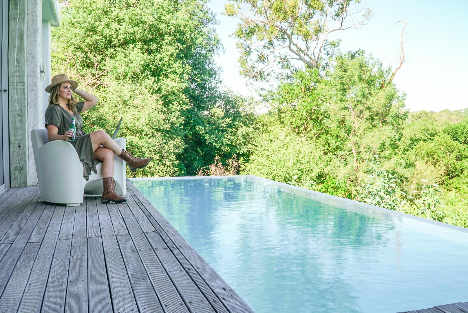 What to Expect on a Luxury Safari | coupleinthekitchen.com