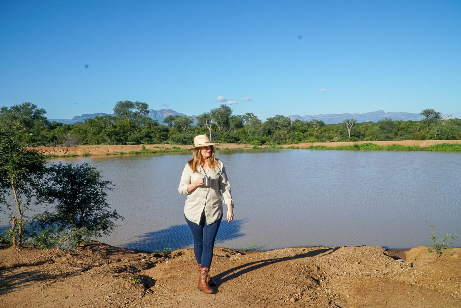 What to Wear on a Safari | www.coupleinthekitchen.com