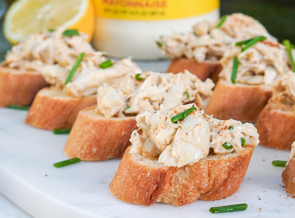 Crab Dip for Crostinis or Crab Toast | 5 Minute Recipe | coupleinthekitchen.com