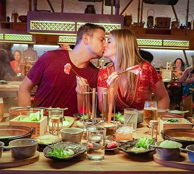 It's hot + steamy in here 🔥 (and we're not even talking about the shabu shabu 😉)! @dipdipdiptatsu_ya is a super fun and interactive dining experience that you def need to add to your date night list! Have you tried shabu shabu before?! 📸: @atxpartygirl