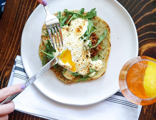 We're already dreaming up our weekend brunch plans. 🍳 @barpeached now offers brunch! Their Asian-fusion take on an eggs benedict is served on a scallion pancake, with bbq pork, yuzu hollandaise, and a sous vide egg!