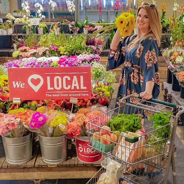 Buying local makes your community bloom 🌻. This week we got back into our routine by picking up some local Texas wildflowers and other goodies like @saltlickbbq sauce, @jaimessalsas, @cecesveggieco, and locally-based @vitalfarms who sources pasture-raised eggs nationally. Click the link in our bio to discover the local products in your area! #Sponsored #MakesMeWhole #LocalAtWholeFoods #WholeFoodsHaul