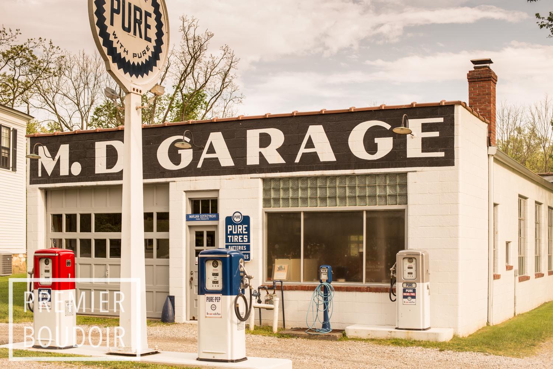 VINTAGE GAS STATION - NEAR BOSTON MILLS SKI RESORT