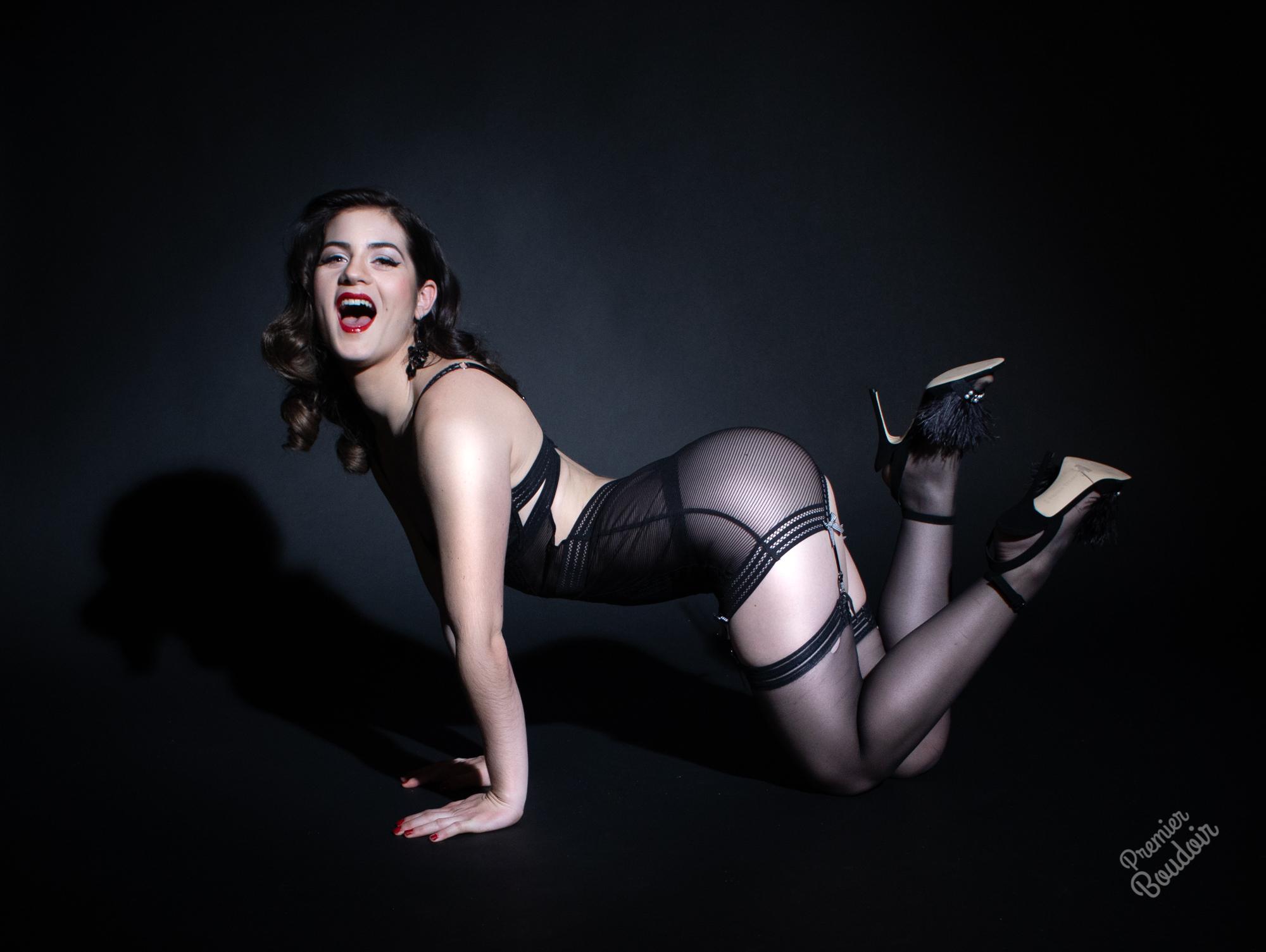 Cleveland Akron Glamour Burlesque Boudoir Photographer