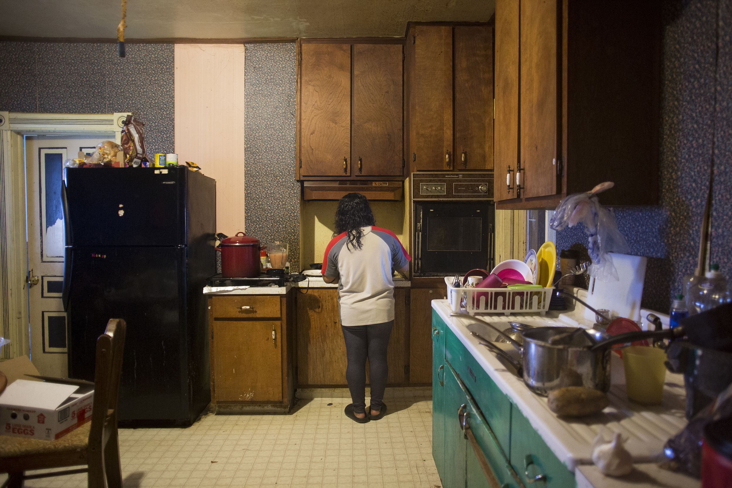 Lucero, 29 cooks for her brother, boyfriend, and cousin in their home that they all share a mile away from the farm. They have their shifts set up so they all have a break together in the middle of the day from 11 a.m. to 6 p.m.