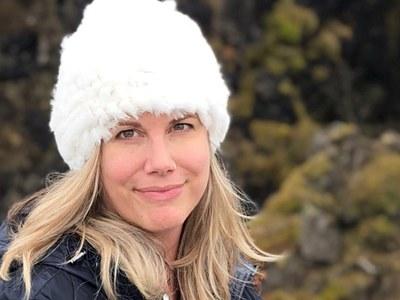 Laura-Iceland-headshot.jpg