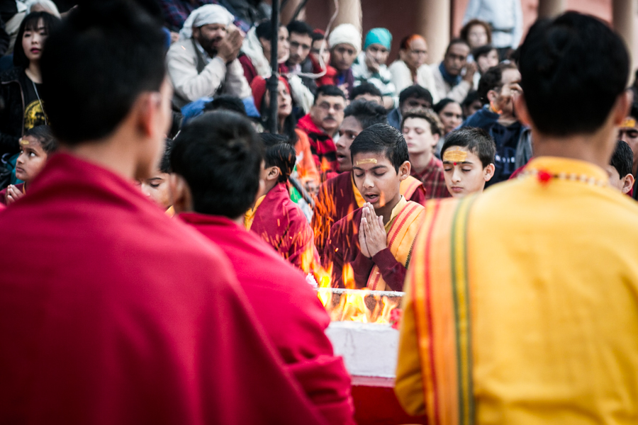 Young devotees at the the Parmarth Niketan AshramAarti. The Aarti is held daily at sunset and open to all. It is very popular among tourists.
