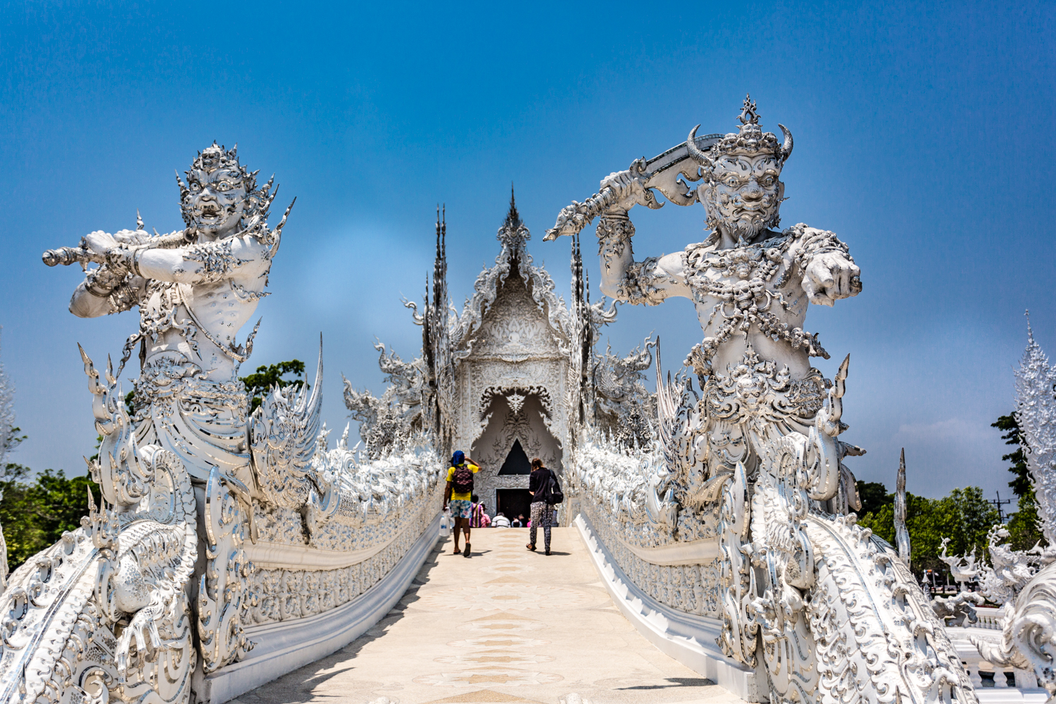 """Death and Rahu guarding to the """"gate of heaven"""" on the far side of the Bridge of the Cycle of Rebirth."""