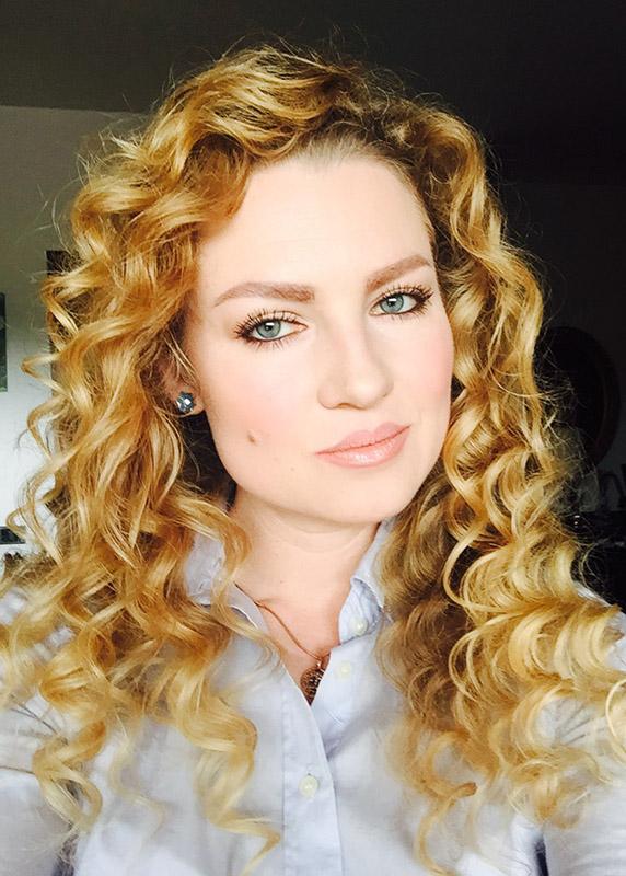 4-useful-tips-for-curly-hair-annartstyle-news.jpg