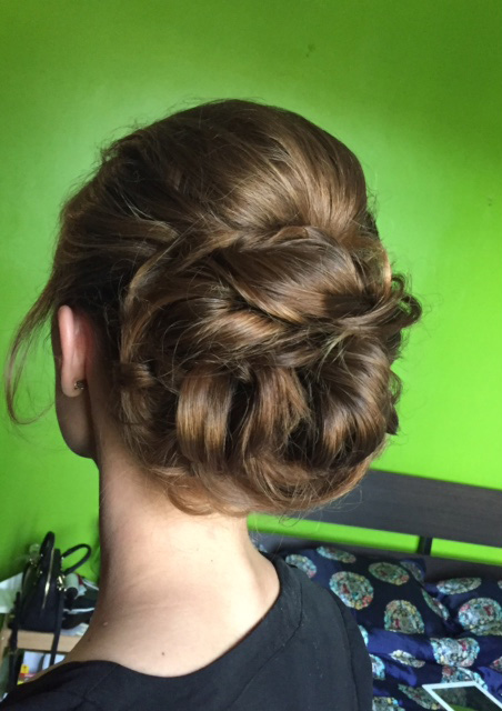 3-graduation-day-hair-and-make-up-annartstyle-news.jpg