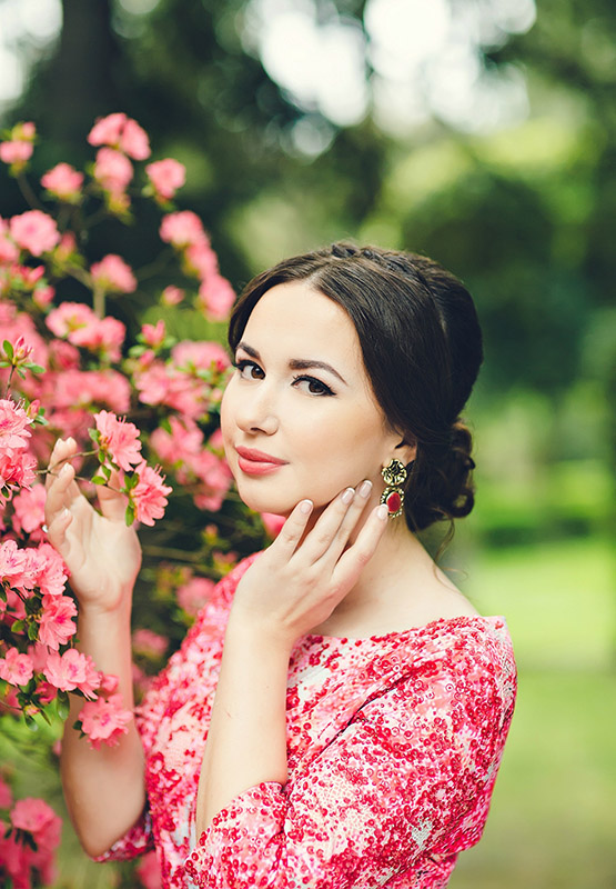 3-make-up-and-hairstyle-for-destination-weddings-annartstyle-news.jpg