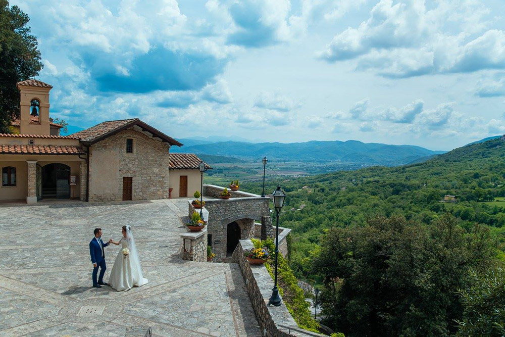 11-russian-italian-destination-wedding-in-terni-umbria-annartstyle-news.jpg