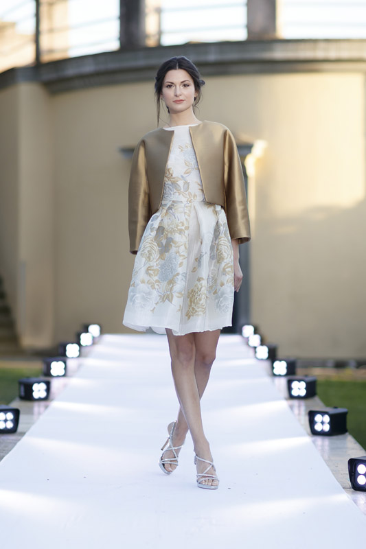 11-my-experience-in-a-fashion-runway-annartstyle-news.jpg