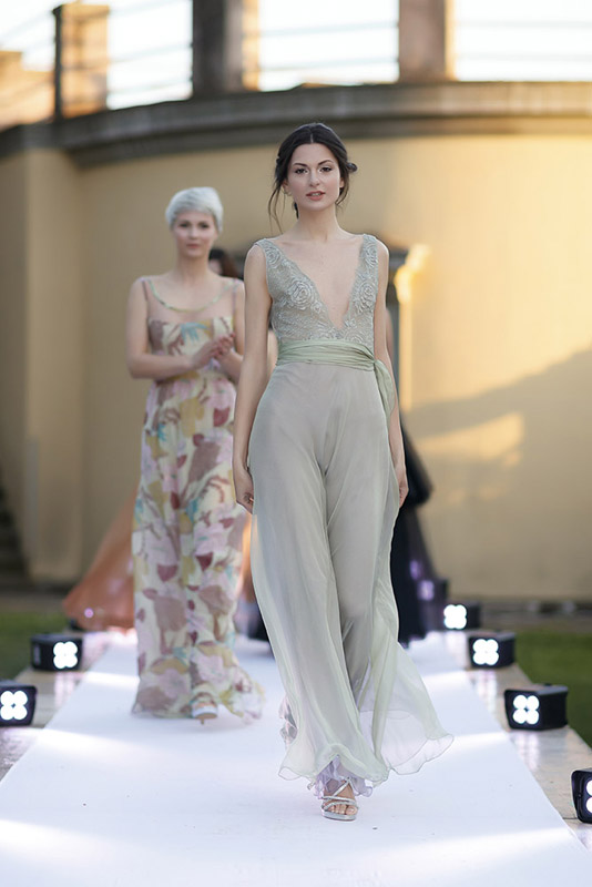 21-my-experience-in-a-fashion-runway-annartstyle-news.jpg