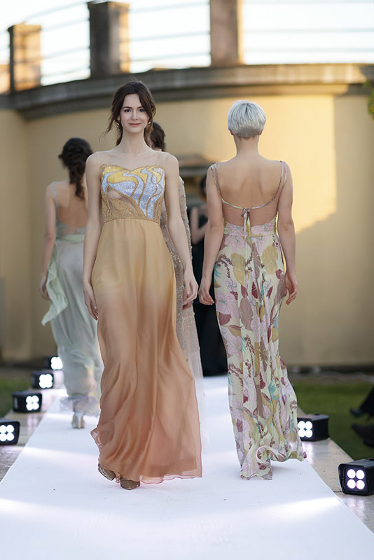 22-my-experience-in-a-fashion-runway-annartstyle-news.jpg