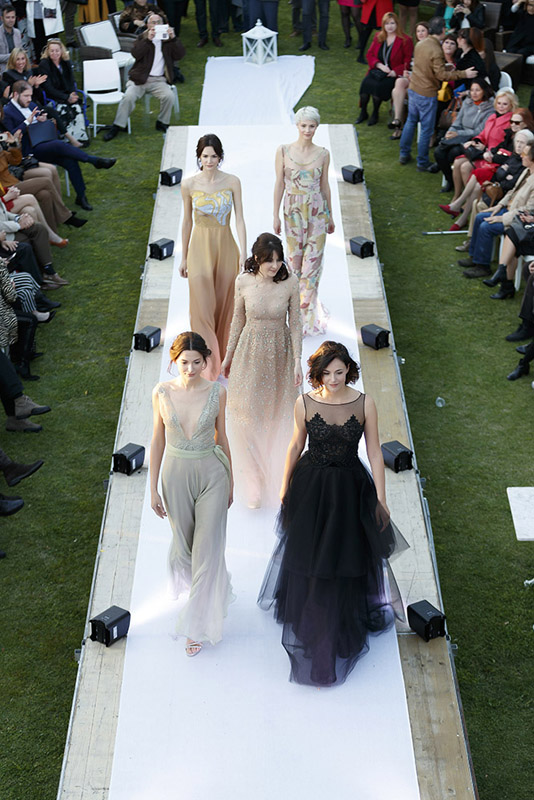 24-my-experience-in-a-fashion-runway-annartstyle-news.jpg