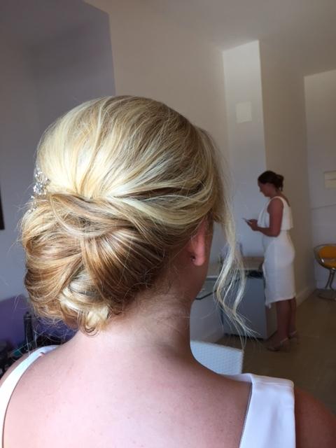 36-bridal-hair-trends-summer-2018-annartstyle-news.JPG