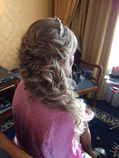 43-bridal-hair-trends-summer-2018-annartstyle-news.JPG
