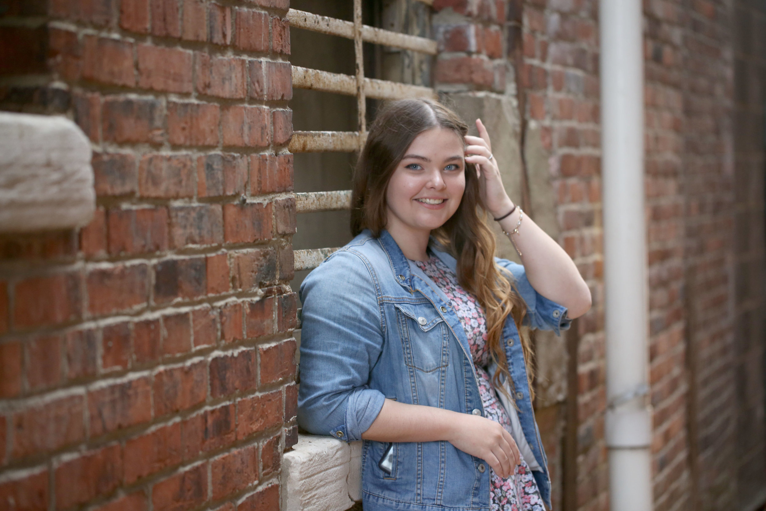 madison_whitney_senior_18_0141.jpg