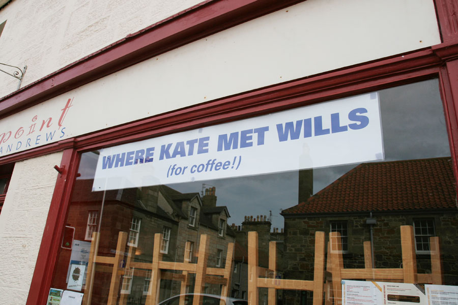 NORTHPOINT'S INFAMOUS KATE AND WILLS BANNER - RESPONSIBLE FOR CAUSING MANY A DESPONDENT EYE ROLL AND GROAN AMONGST CYNICAL STUDENTS WHO HAVE GIVEN UP ON THE PURSUIT OF LOVE.