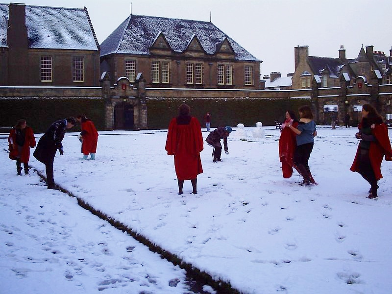 800px-St_Andrews_Red_Gowns.jpg