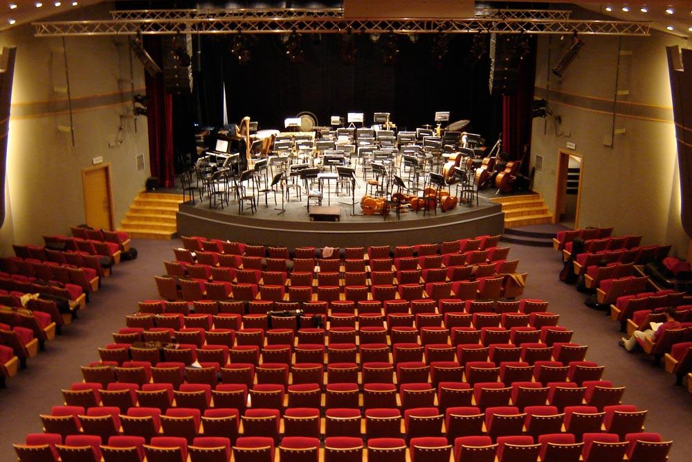 DSC00502-maintheater.jpg