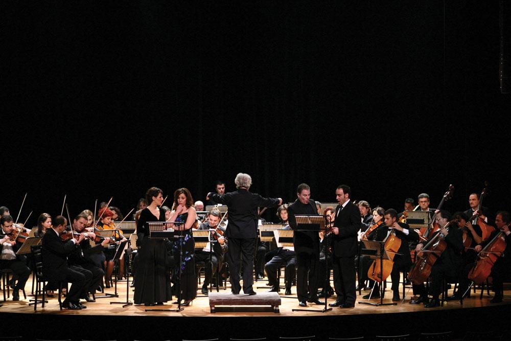 Orchestra-ton-xromaton.jpg
