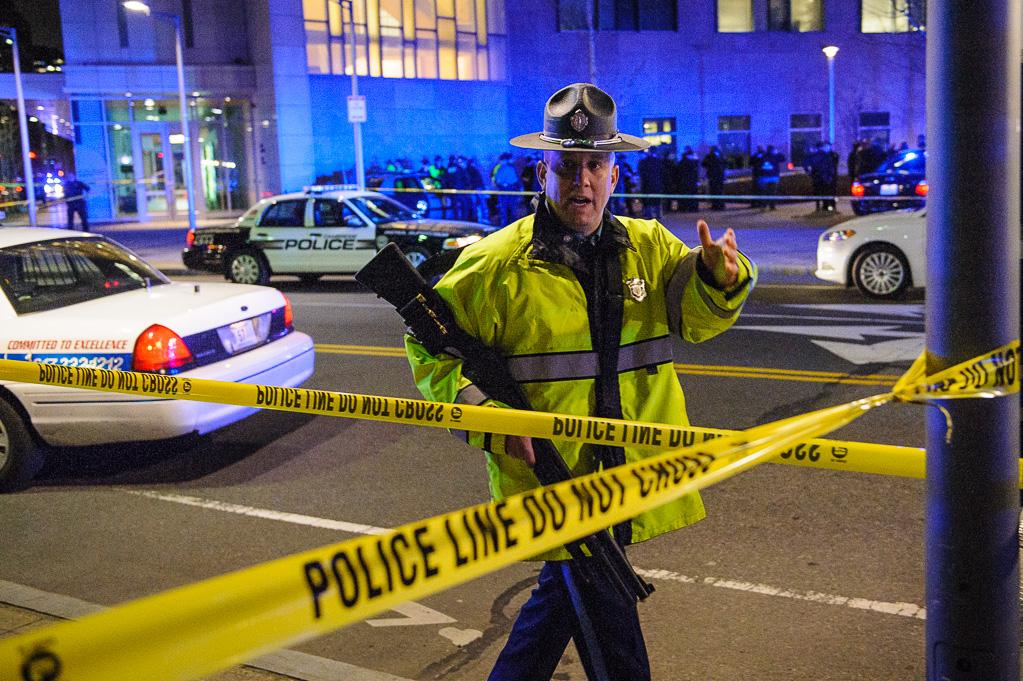 Cop shot on MIT campus