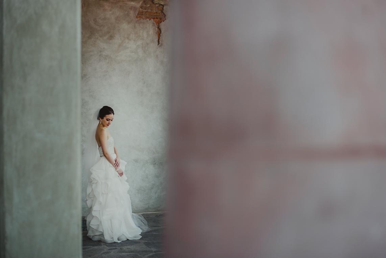 FER JUARISTI  Wedding photographer  EDITING LEVEL: BASIC+ PRESET:  DVLOP  WE EDIT: Full galleries. Portfolio handled in-house.