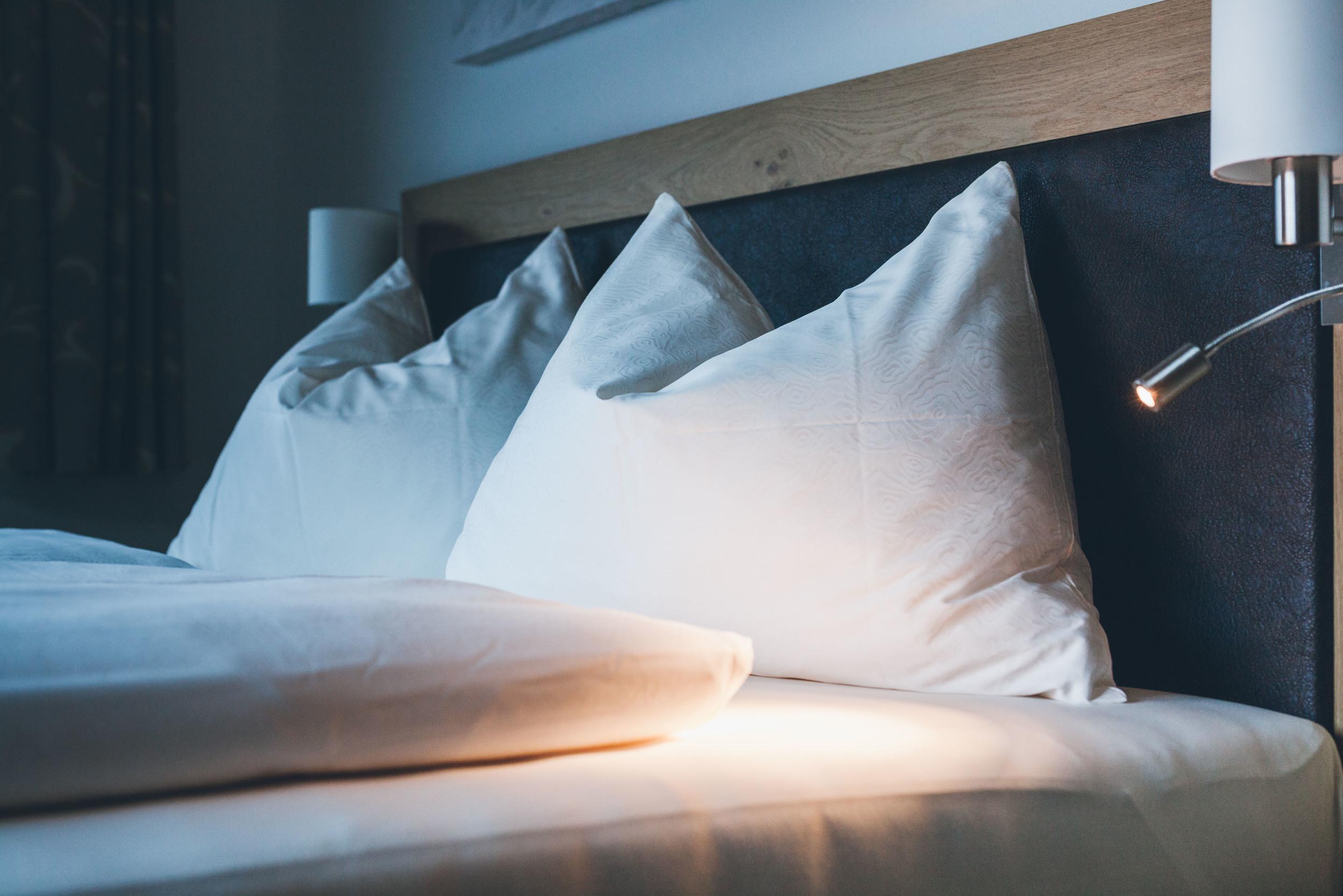 appartement-suites-liana-sophie-neukirchen-haus-innen-schlafzimmer-polster