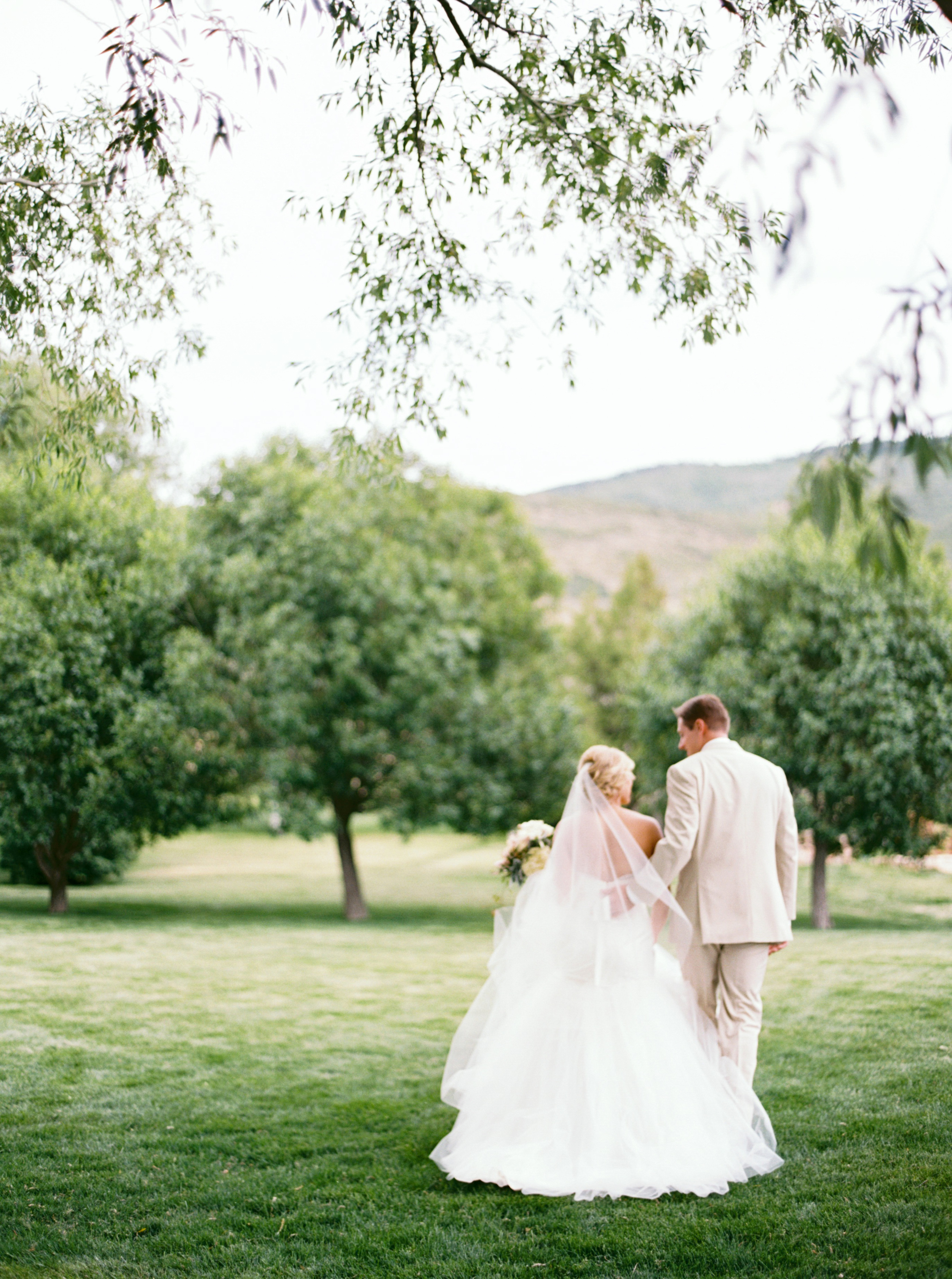 Blush and Gold Rustic High Star Ranch Wedding   Michelle Leo Events   Jacque Lynn Photography