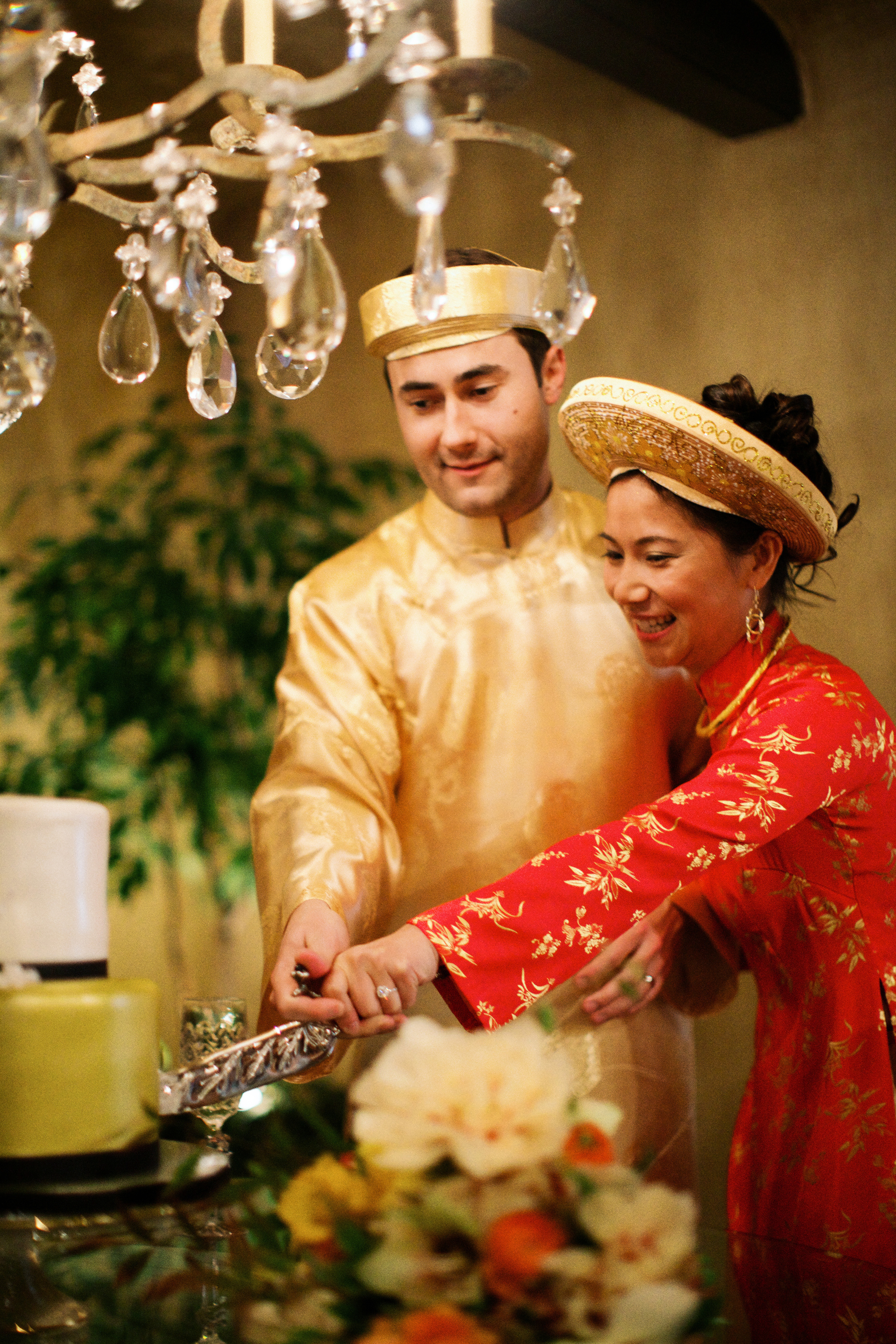 Traditional Vietnamese Tea Ceremony and Organic Backyard Wedding | Michelle Leo Events