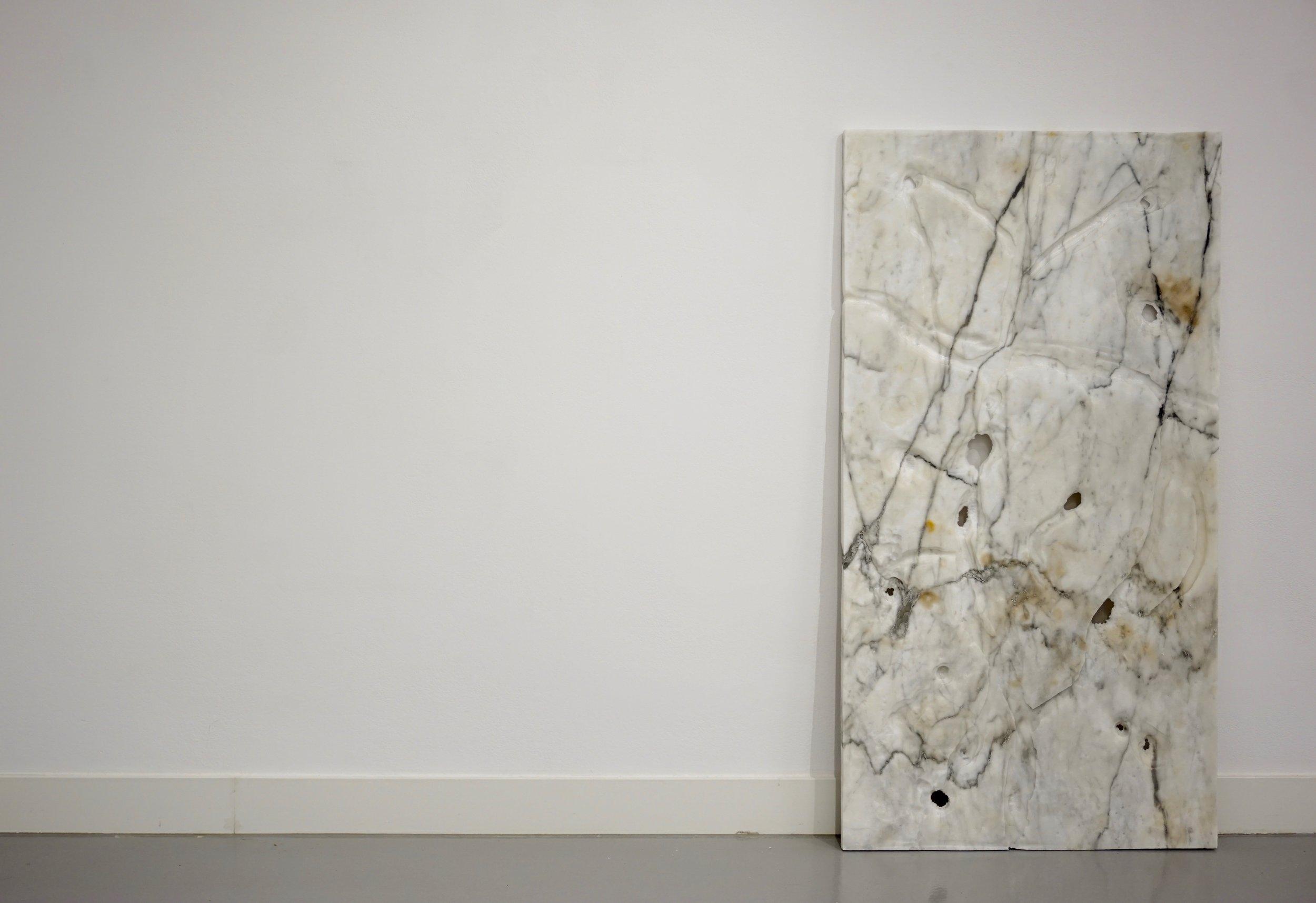 lukas liese chemtrail marmor skulptur sculpture stein.jpg