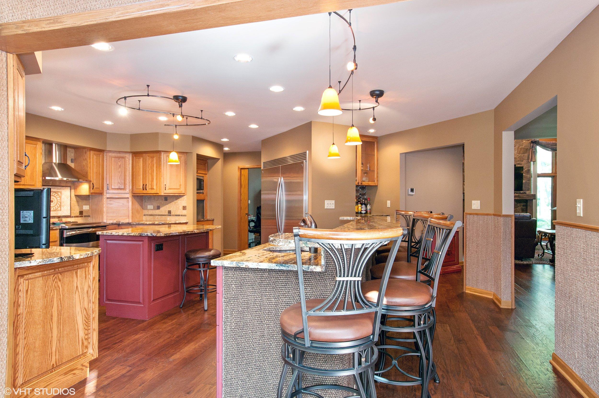05_5704Riverview_177001_Kitchen_HiRes.jpg