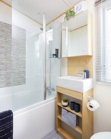 The-Beverley- SHOWER ROOM.jpg