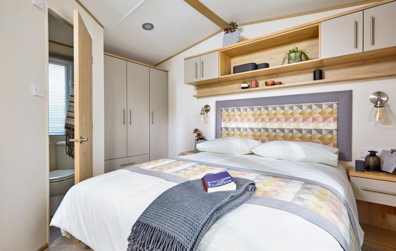 The-Beverley-bedroom double.jpg