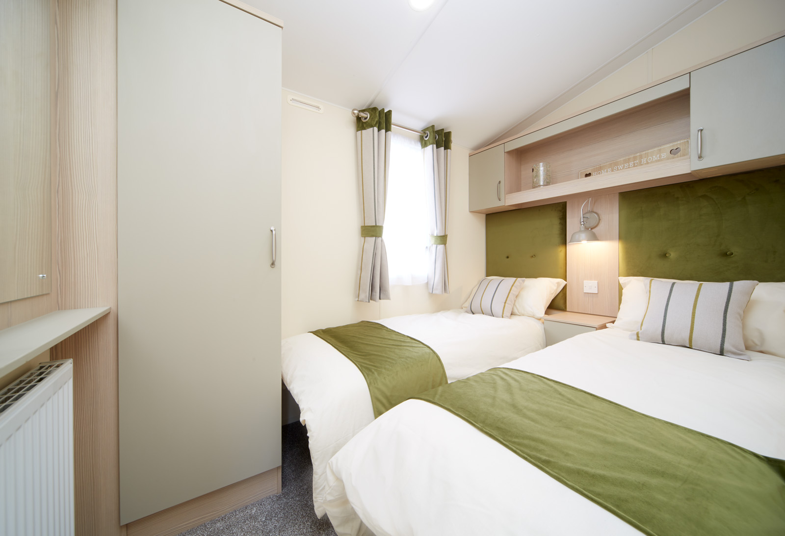 2019-Atlas-Debonair-twin bedroom.jpg
