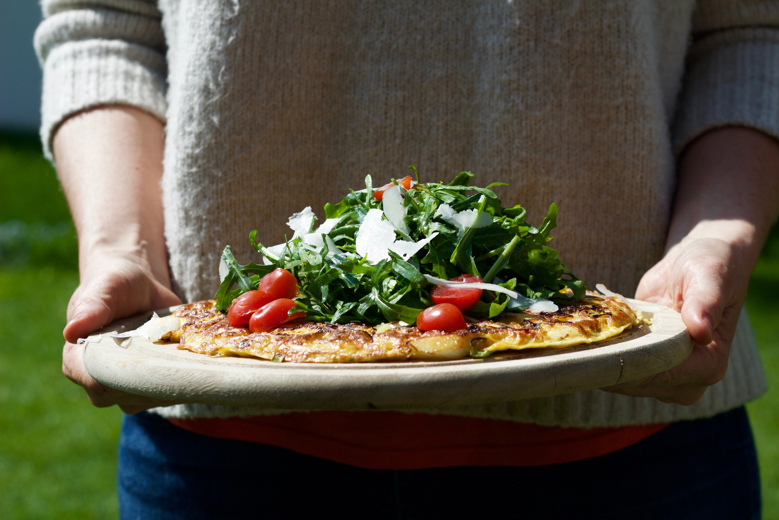 White Asparagus fritata with arugula salad